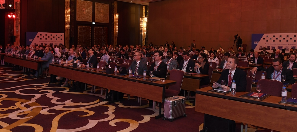 Over 400 participants at the conferencelistened to industry experts present the best faade solutions to reduce energy consumption in the Middle East.