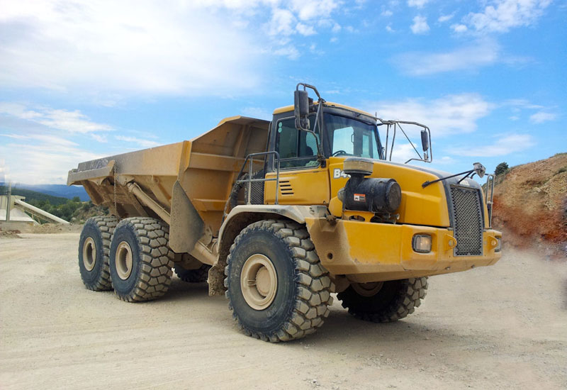 BKT's Earthmax SR31 is designed for loaders, dozers and articulated dumpers.