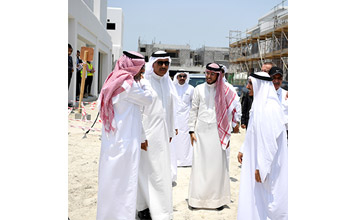 The housing ministry expects to hand over the first batch of the villas to their recipients by 2018 [image: BNA].