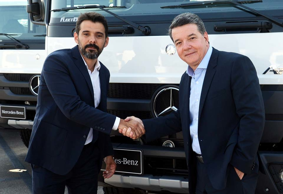 L-R: Ian Dobereiner, director for the agriculture business at Raízen, and Roberto Leoncini, director for truck and bus sales, marketing, parts and service at Mercedes-Benz Brasil.