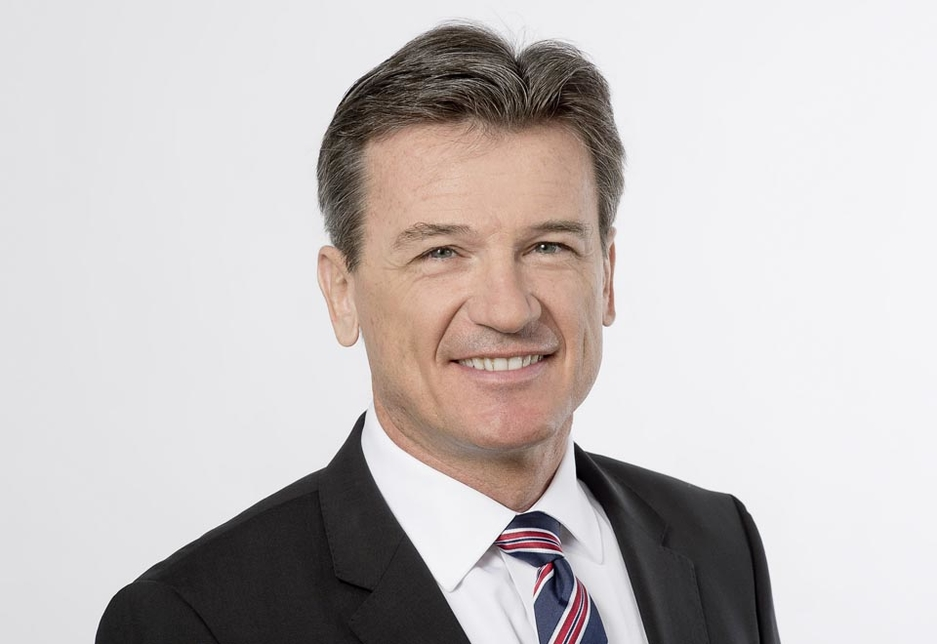 Dr Wolfgang Bernhard is stepping down as the head of Daimler Trucks & Buses with immediate effect.