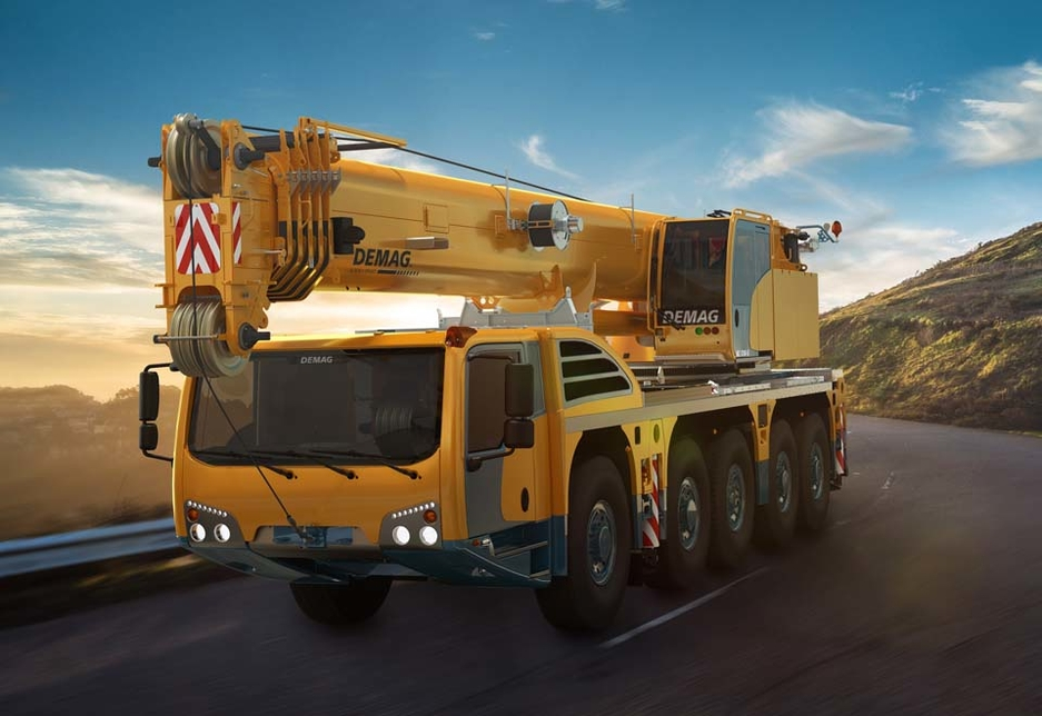 The Demag AC 130-5 has a 130-tonne capacity and a compact 14.3m-long, 2.75m-wide carrier.