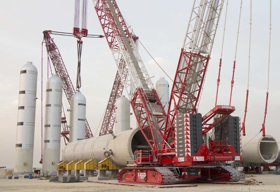 Kuwait's Integrated Logistics recently purchased a Demag CC 3800 lattice boom crawler crane.