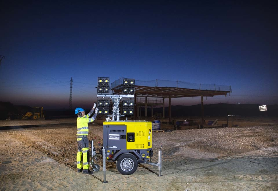 The Atlas Copco HiLight H5+ LED light tower.