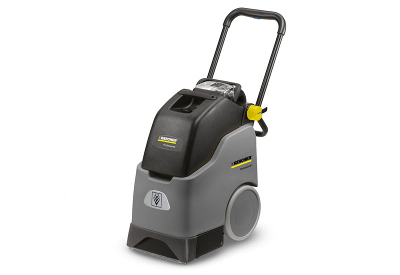 The deep carpet cleaner BRC 30/15 C from Kärcher.