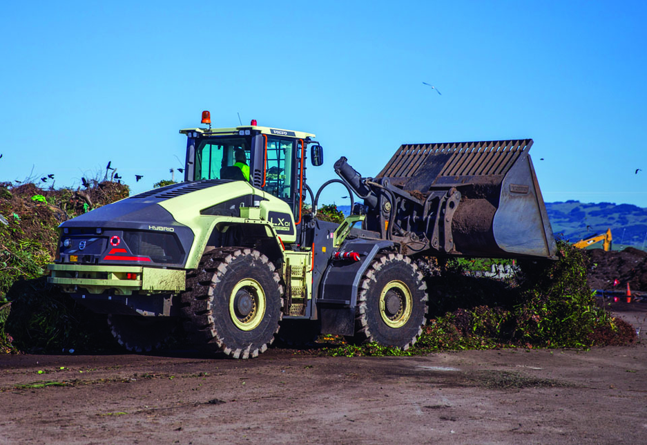 The prototype LX1 hybrid electric wheel loader was deployed on a green waste composting site and transfer site of a major Volvo CE customer in California, USA.