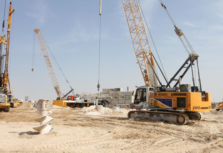 One of the 50t-capacity Liebherr HS 8050 HDs being used for piling works on the Dubai Expo Village site.