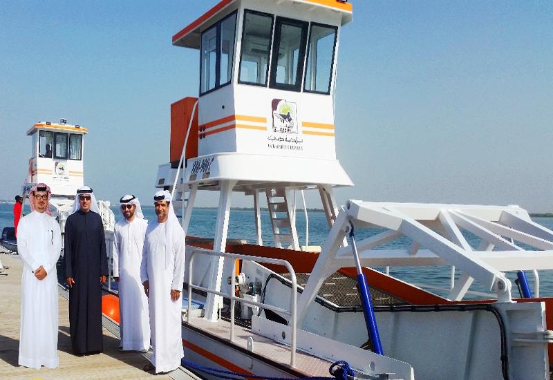 NEWS, Facilities Management, Dubai Creek, Dubai municipality, Dubai Water Canal, Marine scraper, Maritime, Waste management, Wharf Deira