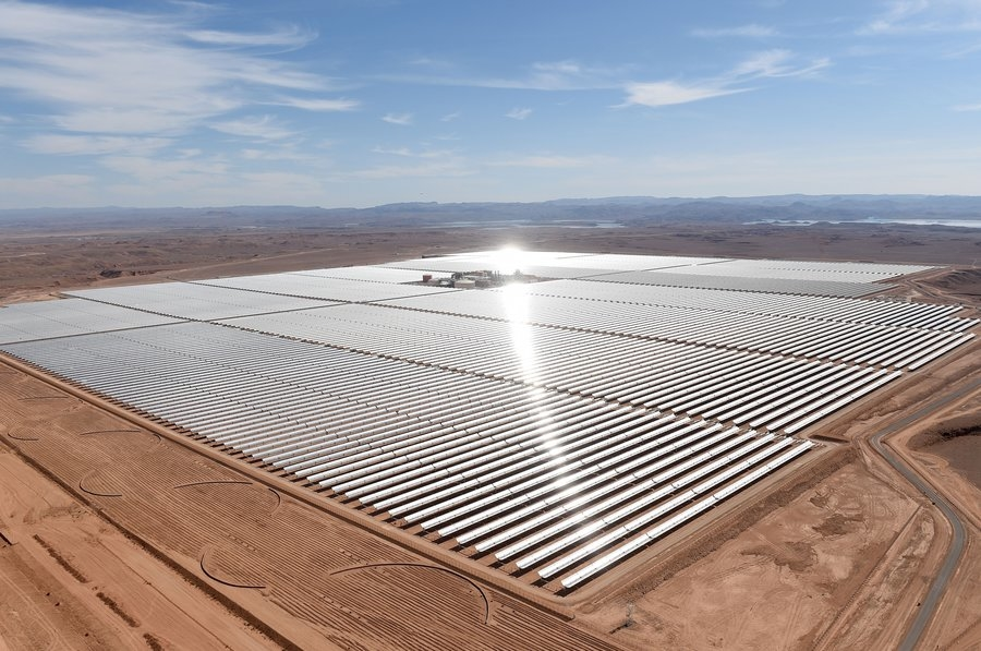 The Noor 1 CSP plant involves an array of 12m-high parabolic mirrors.