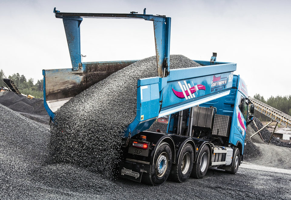 SSAB tested Hardox 500 Tuf in a scenario where it was used to transport over 40,000 tonnes of crushed rock in a year.