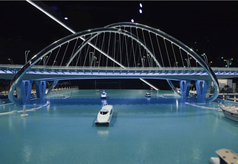 Shindagha Bridge features an infinity-shaped arch.