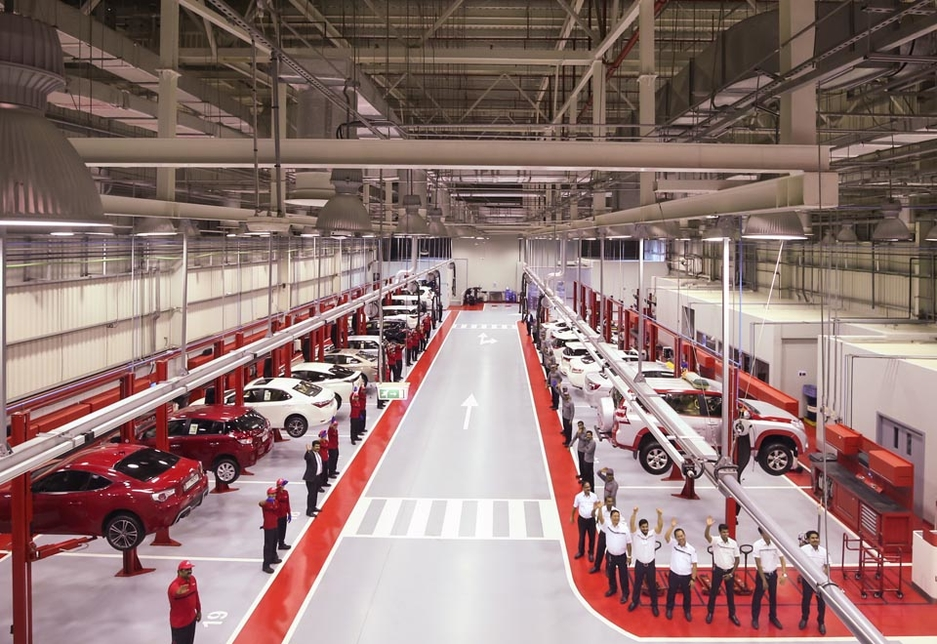 The service area includes 64 simultaneous working bays that can accommodate up to 250 cars per day.