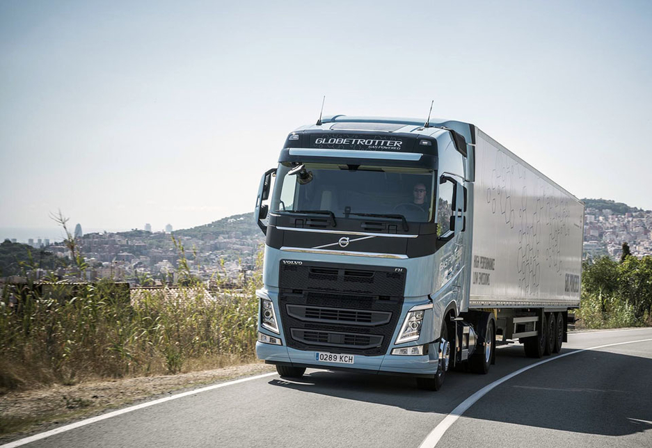The Volvo FH LNG can deliver the same performance and fuel efficiency as a regular Volvo FH, even on steep hill climbs.
