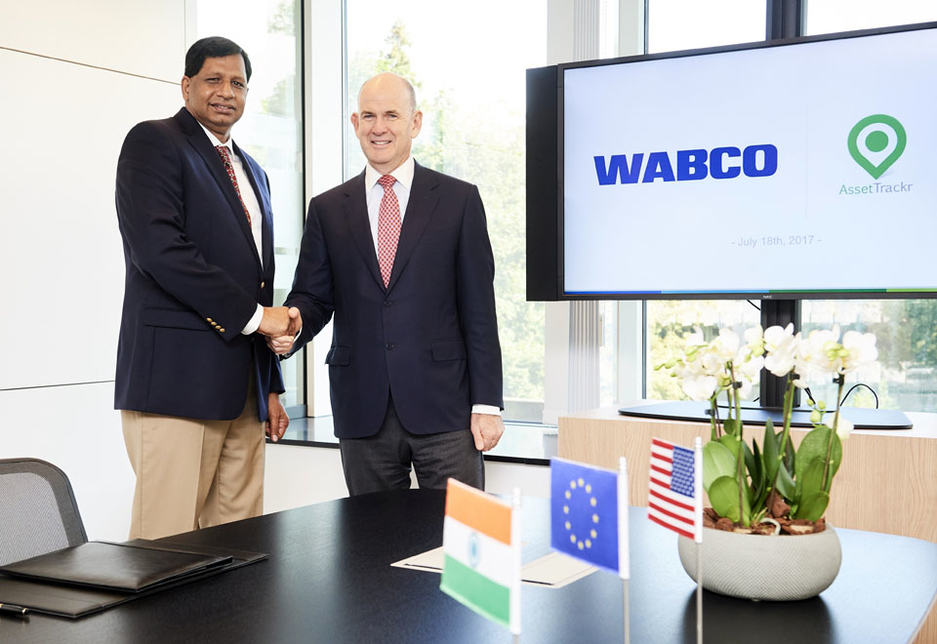 L-R: Jacques Esculier, chairman and CEO of WABCO, and Ashok Yerneni, founder and CEO of AssetTrackr, following the signing ceremony in Brussels, Belgium.