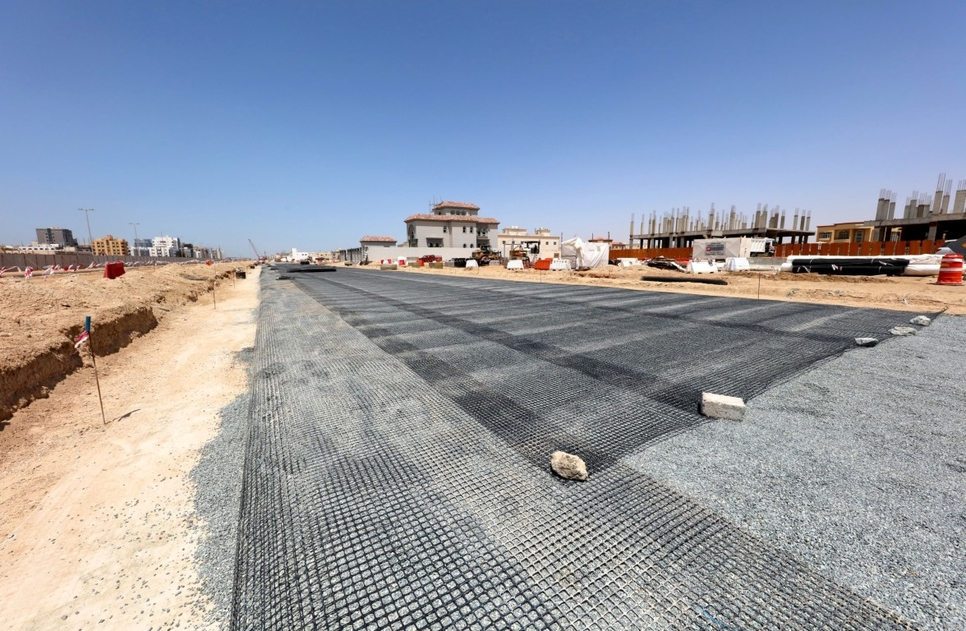 Abu Dhabi's Z35 Sector road is due for completion in March 2018 [image: WAM].