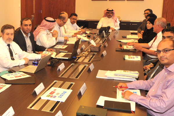 Officials at Bahrain's Ministry of Works, Municipalities Affairs and Urban Planning discussing the Bahrain Medical City project.