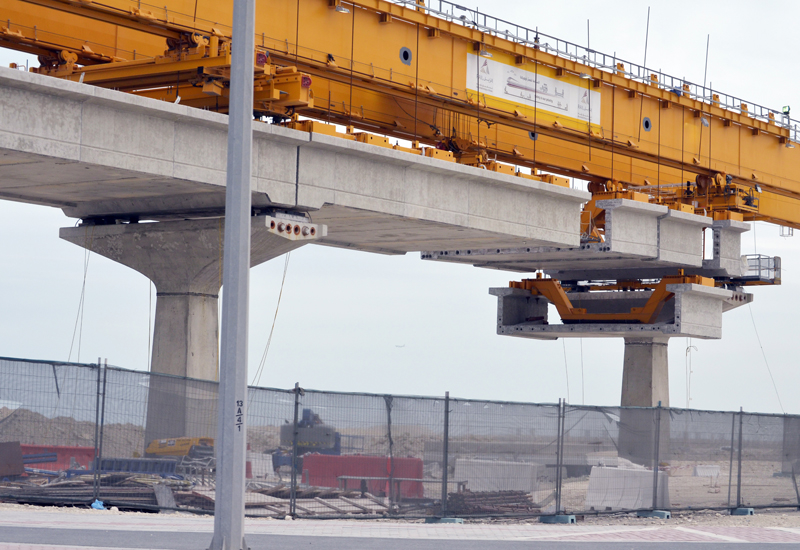 A total of five launching girders were used to lift the segments, massive of state-of-the-art pieces of equipment.