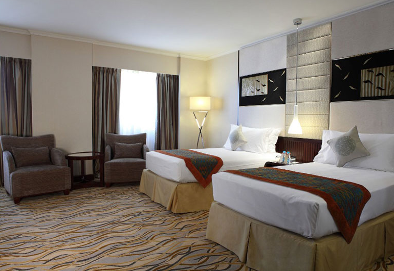 Starwood will open the world's largest Four Points by Sheraton in Saudi Arabia.