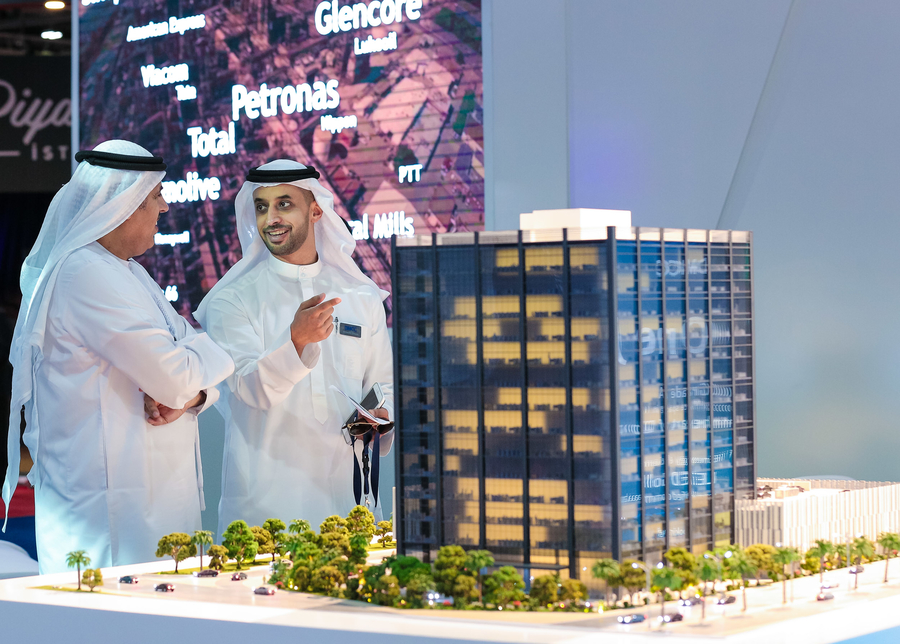 Ahmed Bin Sulayem, executive chairman of DMCC, with a scale model of One JLT.