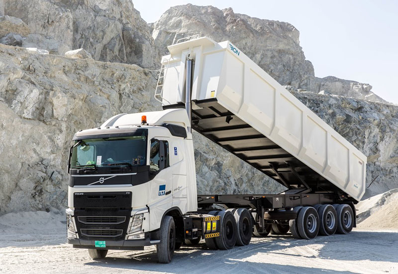 Bion's largest tipper trailer is the B480 with a 48m3 capacity and three axles.