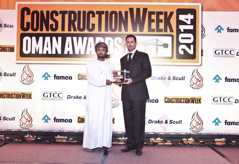 Muhammed Sultan Al Salmy picks up the award, which was presented by Steven Little, General Manager of ALEMCO/ZAWAWI.