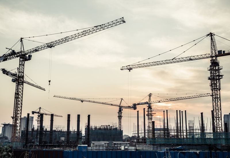 The global construction industry's overall risk level fell slightly during Q2 2015, with an improved outlook for advanced economies accounting for inc