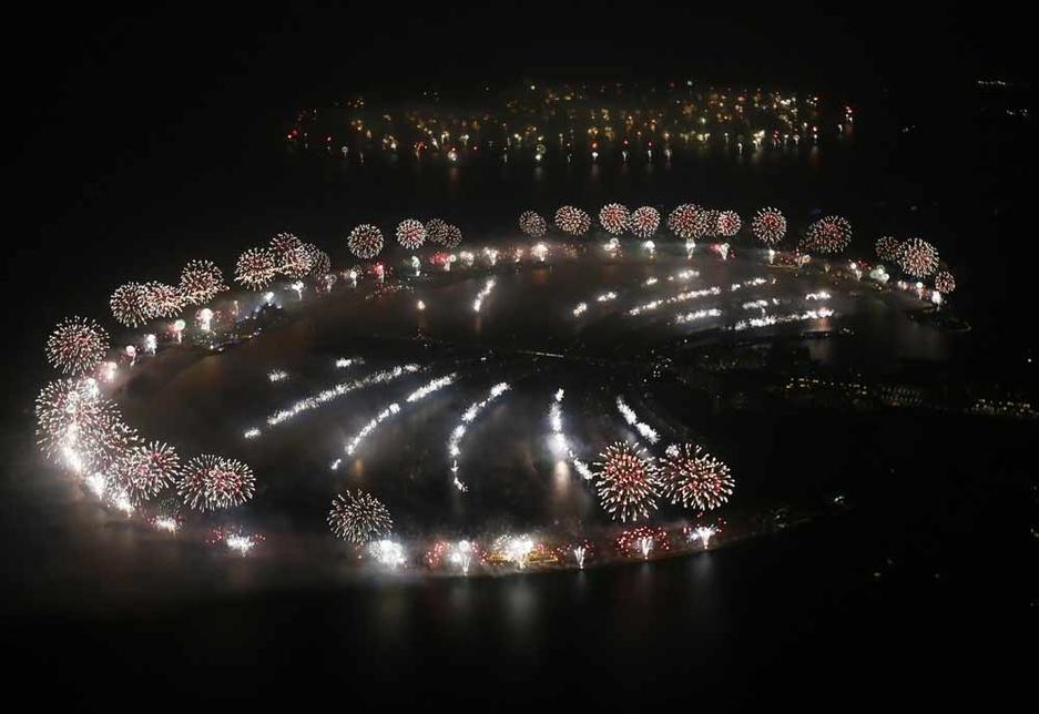 NEWS, Facilities Management, Burj khalifa, Dubai municipality, Fireworks, New year, Waste collection, Waste management