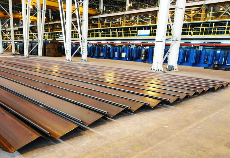 New sheet piles produced at the Emirates Steel factory.