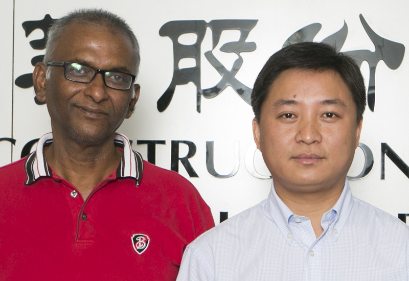 Mohammed Faiz (left) and Chen Zhonghua (right), CSCEC ME.
