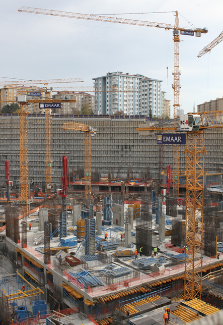 Emaar Square represents the largest single deployment of Liebherr tower cranes in Turkey.