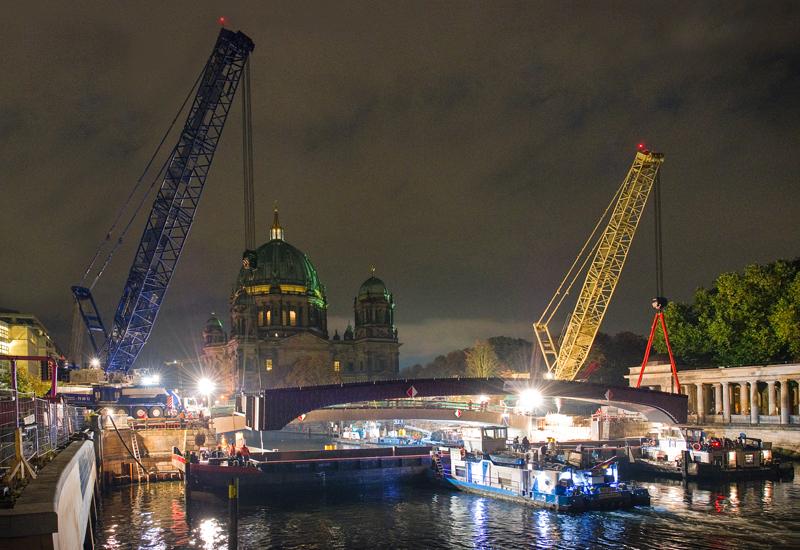 NEWS, PMV, Berlin, Boom, Bridge, Expansion, Lattice, Liebherr, Mobile crane, Museum, Overnight