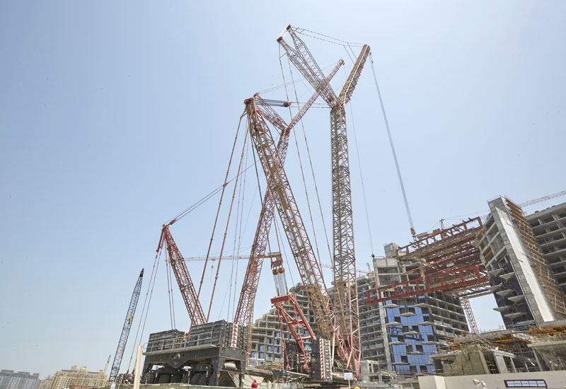 Mammoet was enlisted by SKAI Holdings to lift the trusses for Viceroy Dubai Palm Jumeirah.