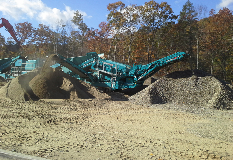 Carrier Home Builders has become the first US firm to purchase a Powerscreen Warrior 1400X.