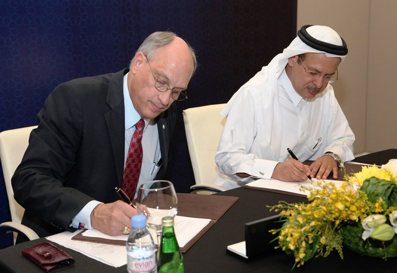 The MoU was signed by Hamad Rashid Al Mohannadi, RasGas chief executive officer and Dr. Mark H. Weichold, Dean and CEO of Texas A&M at Qatar.
