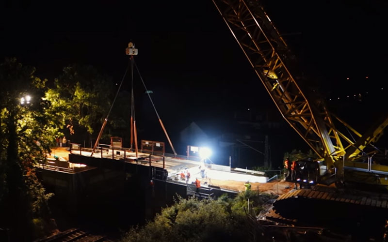 The following video shows the installation of Schöneck Bridge om Kirkel, Germany.