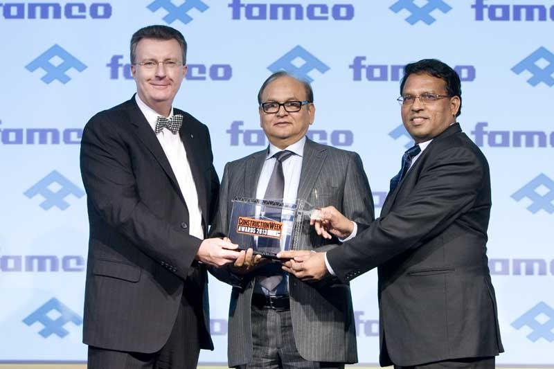 FAMCO MD Paul Floyd (left) hands award to ETA Star's A K Saksena (centre) and K S Shah Ali (right).