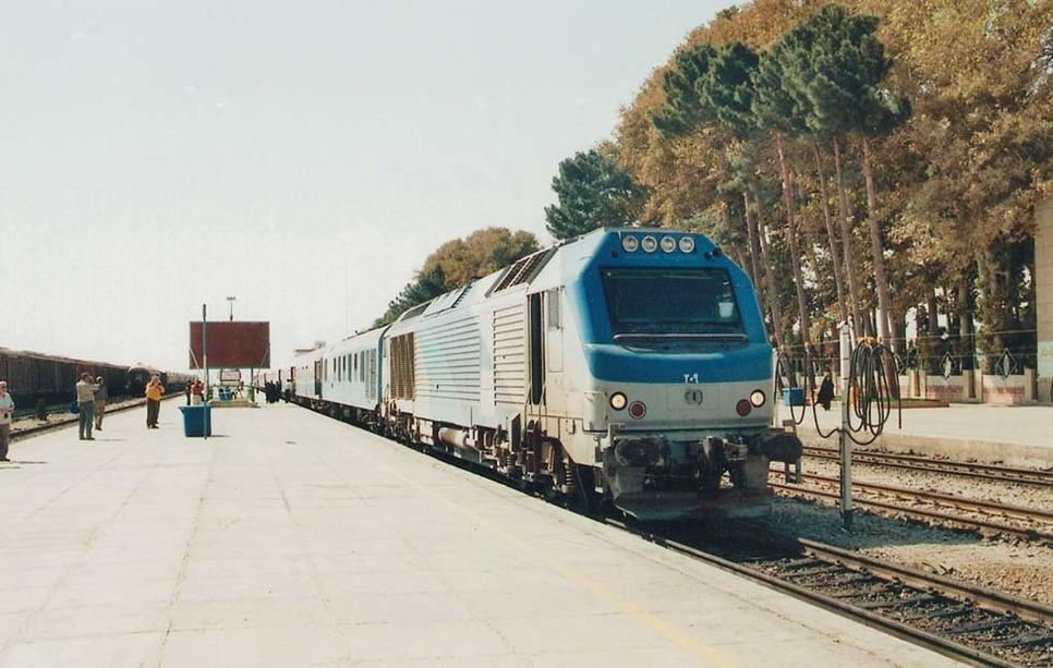 AREP will design stations for Tehran, Mashhad and Qom. [Image courtesy: www.trains-worldexpresses.com/Thomas Meyer-Eppler]