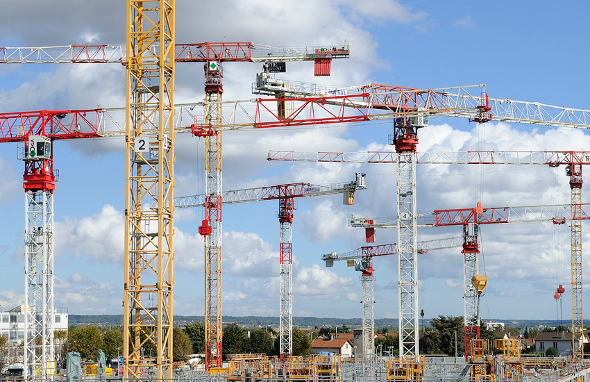 Construction sites and tower crane technology are both increasingly complex says the CECE.