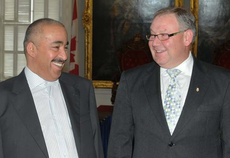[L-R] Vice chairman of Bee'ah & DG of Sharjah Municipality and Premier Darrell Dexter in Nova Scotia, Canada