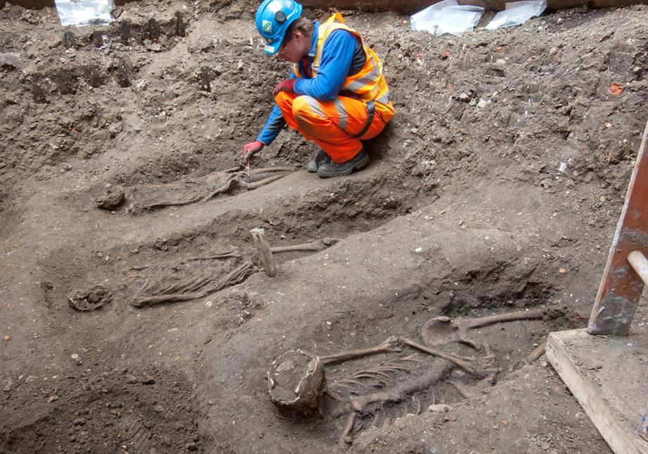 NEWS, Business, Crossrail excavations reveal Black Death skeletons