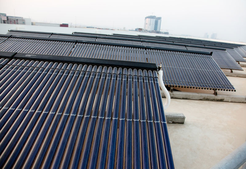 The roof-mounted solar vacuum tubes