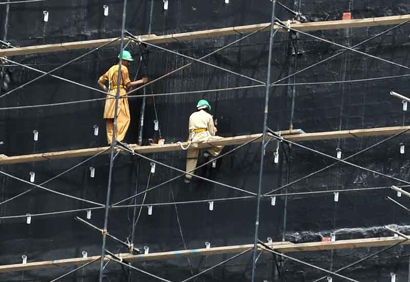 The JV will be solely responsible for the design and erection of 150,000m3 of access scaffolding at the Habshan site.