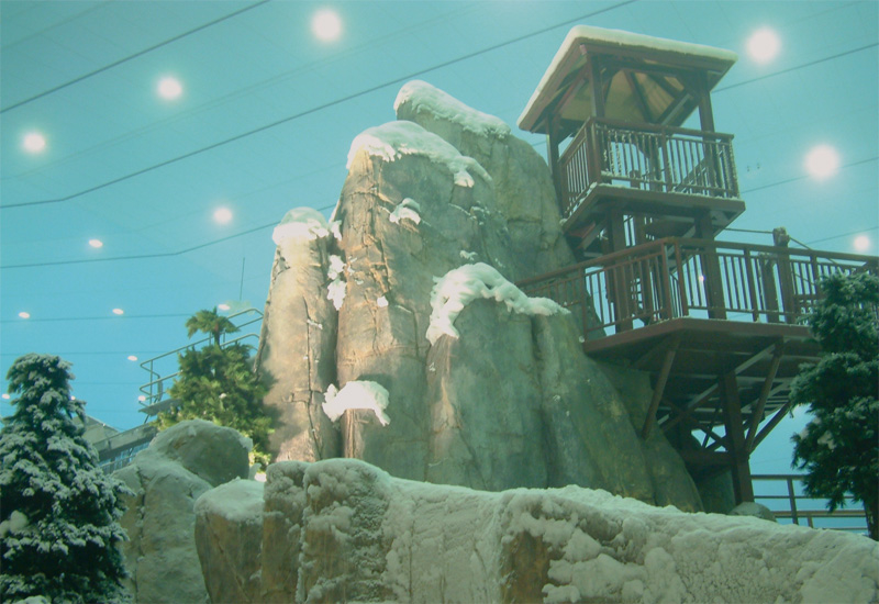 Theming contractor Amusement WhiteWater worked on the Ski Dubai attraction.