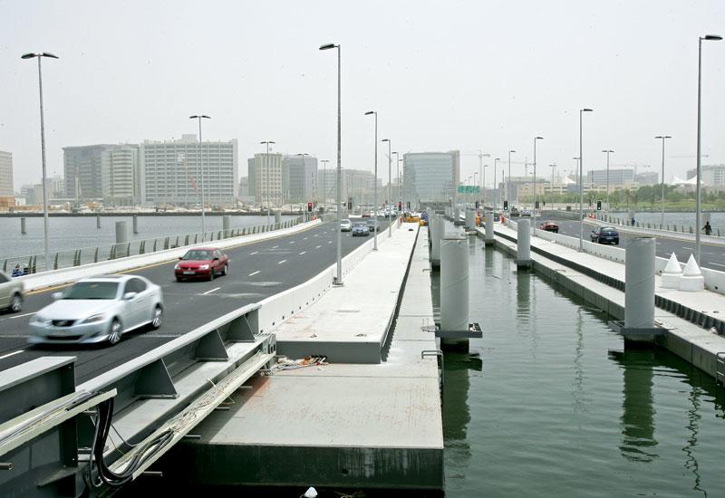 Dubai's floating bridge ? a unibeton project.