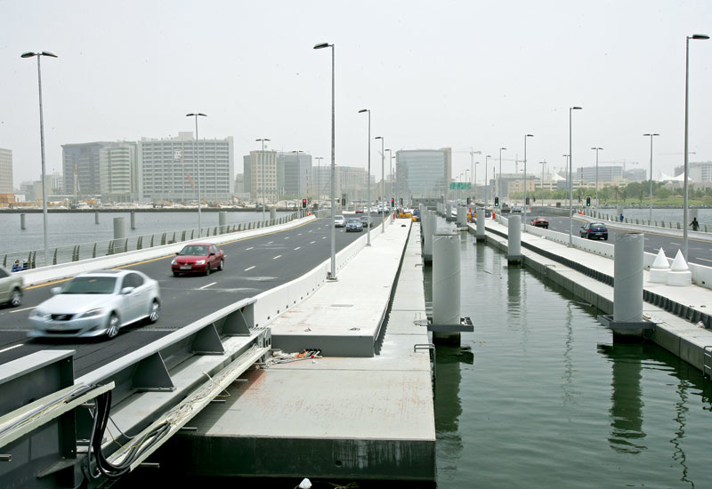 Dubai's floating bridge ? a unibeton project.