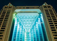 Lights defining space at Dubai?'s Fairmont Hotel.