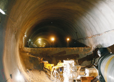 Four shotcrete Sika/Putzmeister machines work on two tunnels being built in Germany.