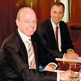 Left to right: Guido de Wilder of Starwood and Steve Tight of Al Sharq Investment sign the deal