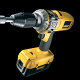 The DC900KL drill has been designed with a three-speed transmission for optimum use. The highest gear is designed for hammer drilling into concrete.
