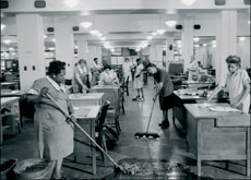 Cleaners in an Empire State Building office in December 1946. Designed by the firm of Shreve